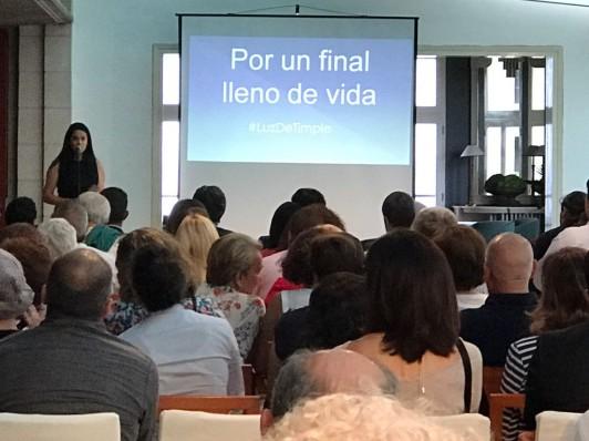 Presentación del Acto por Sara Luís